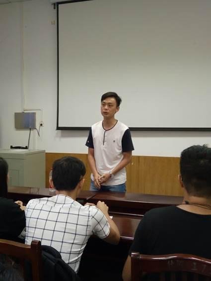 陈霄翔海南华侨中学